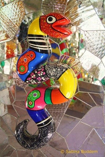 Fancy Farbenrausch und Sinneslust in der Grotte von Niki de Saint Phalle