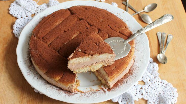 Quanti minuti avete? Dieci? Perfetto, bastano per preparare questa golosa torta mascarpone e nutella. Fresca, facile, pratica e super veloce.