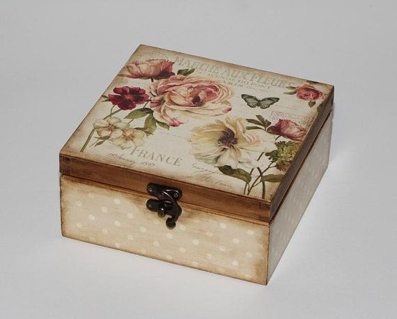 Wooden tea box. Tea storage box. Tea bag box. por DecoupageMargaret