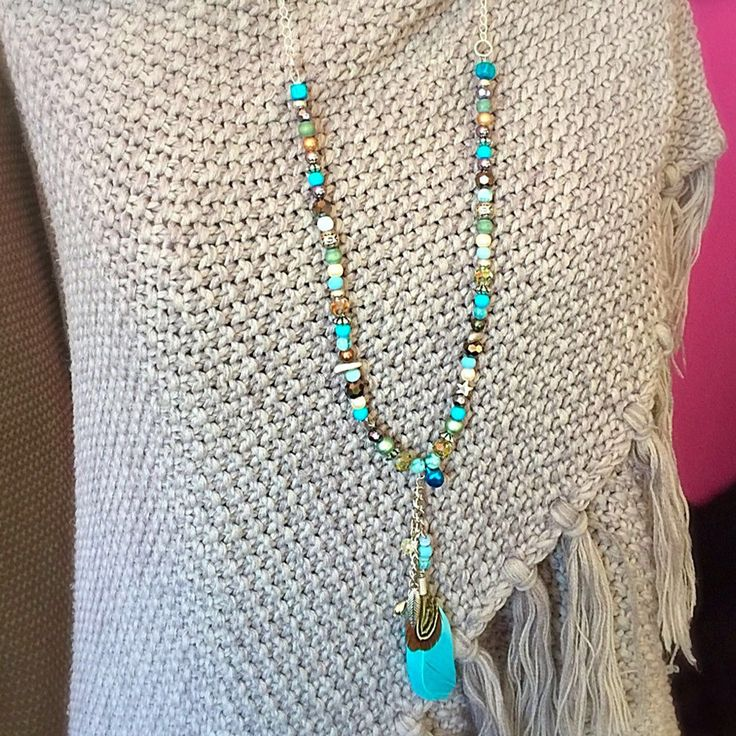 Een persoonlijke favoriet uit mijn Etsy shop https://www.etsy.com/nl/listing/520861635/necklace-gemstone-suede-silver-wood