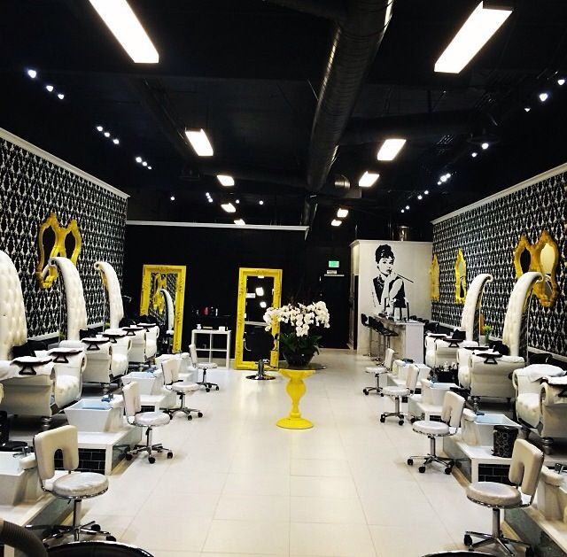 205 best savvy enticing salon and spa setups images on pinterest laque nail bar love this design prinsesfo Gallery