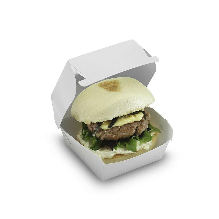 Mini Burger: Mini burger de ternera con setas shiitake, hoja de roble, mayonesa japonesa, queso cremoso, salsa yakitori y alga nori | #Burger #shiitake #yakitori #nori #Izakaya