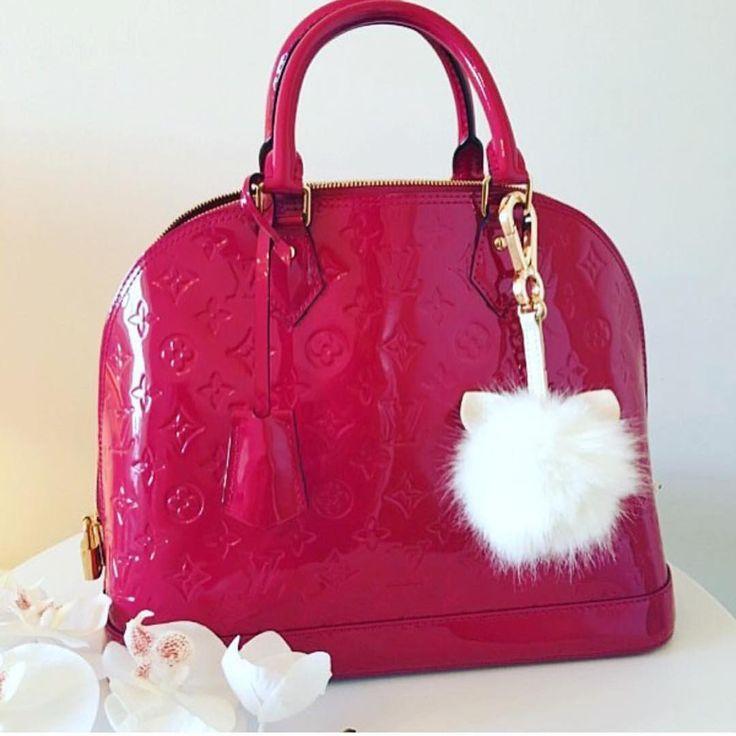 Louis Vuitton Alma Bag In Red. Louis Vuitton Classic Tote Bag To Wear. #Louis #Vuitton #Handbags
