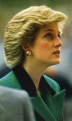 Princess Diana wearing a green jacket in 1987