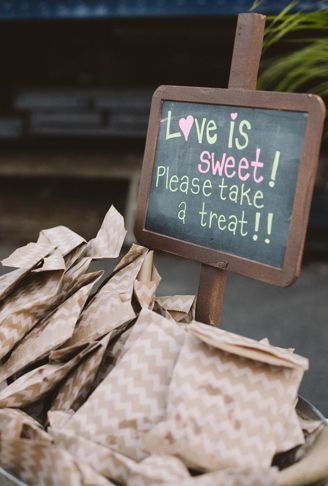 Great idea for the sweet buffet with the personalised Mr & Mrs candy