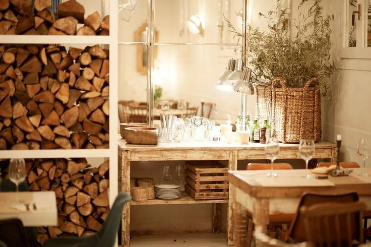 MADRID eat at: Dray Martina - tips for a perfect weekend off in Madrid on Leff Interiorstyling - http://www.leffinteriorstyling.com/city-guide-madrid/