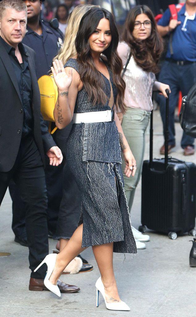 Insólito! Demi Lovato demostró que realmente escucha la música de Taylor Swift Selena Gomez y Miley Cyrus - E! Online Latino | México