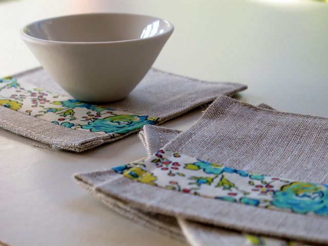 Summer Coaster Tutorial: Sewing Projects, Gifts Ideas, Christmas Presents, Fabrics Coasters, Summer Coasters, Linens Coasters, Coasters Tutorials, Crafty Sewing Tutorials, Crafty Ideas