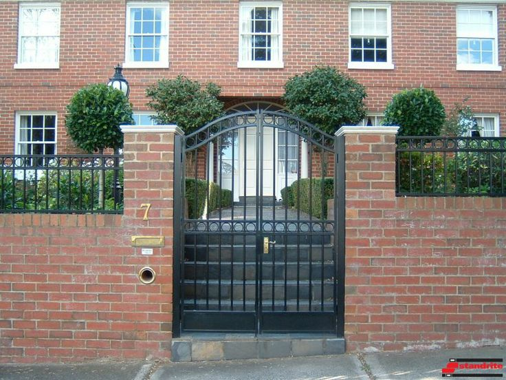 Standrite - Tubular Steel Gate & Fencing - Mont Albert Style With Arch