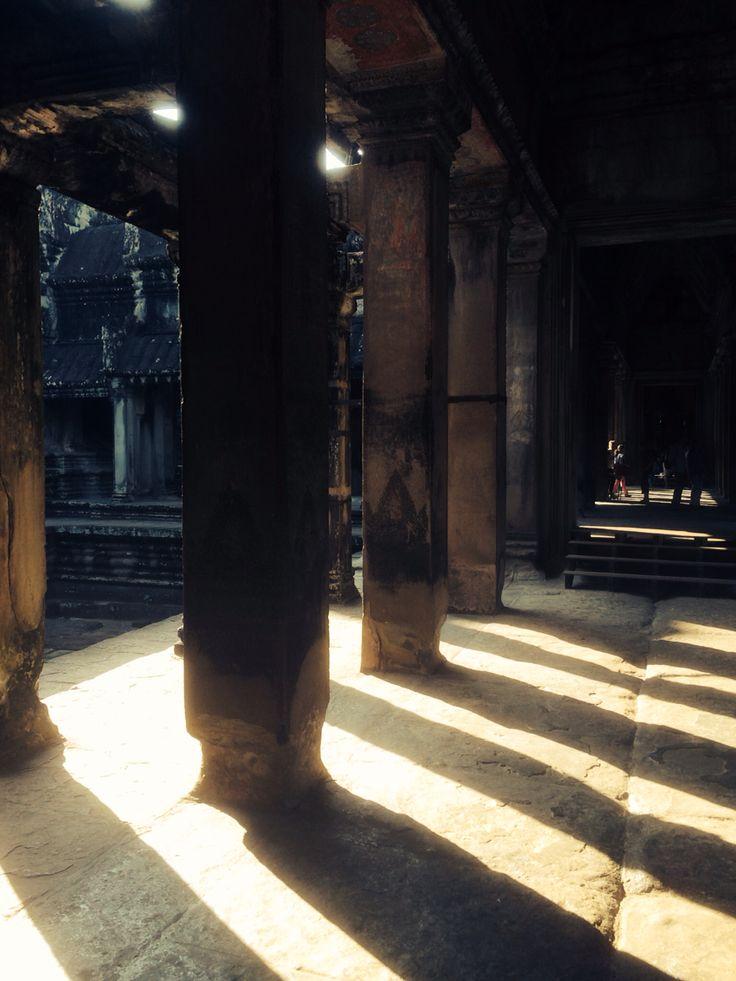 Ankor Wat shadows