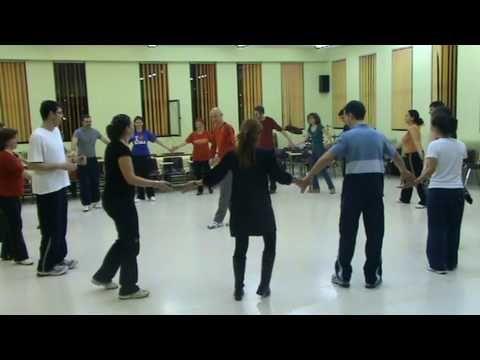 45.Minoesjka.Holanda - YouTube Dansen met kleuters