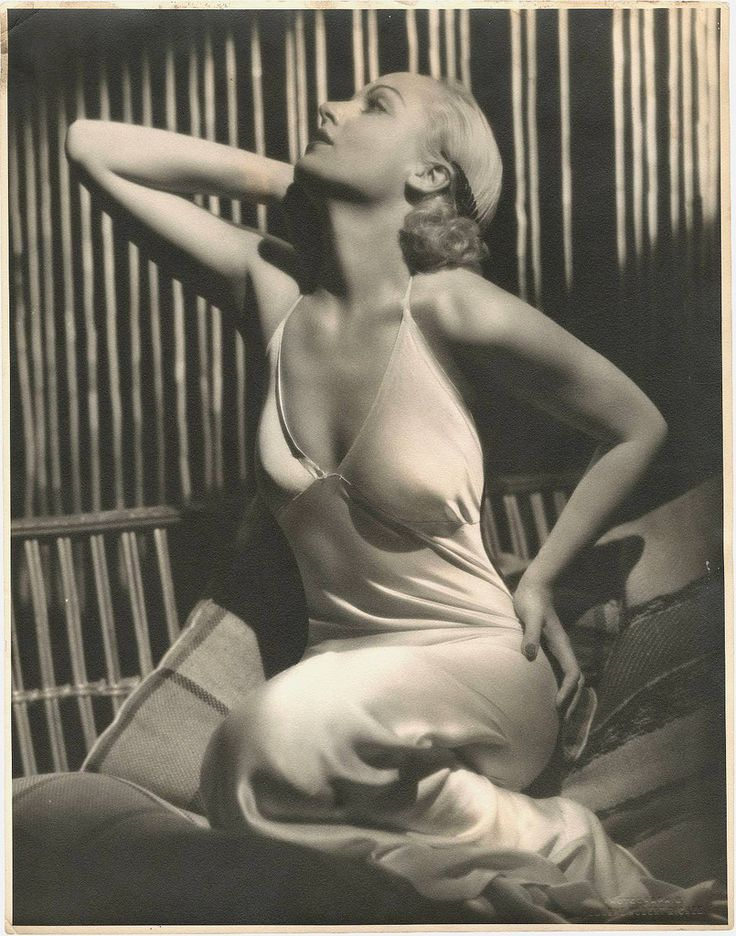 greatgdean:  Carole Lombard by Eugene Robert Richee (by Chickeyonthego)