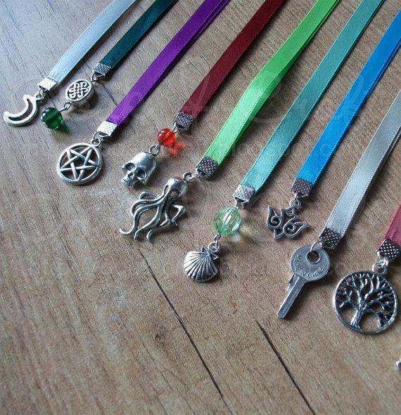 Hey, I found this really awesome Etsy listing at https://www.etsy.com/pt/listing/124925819/satin-ribbon-bookmarks