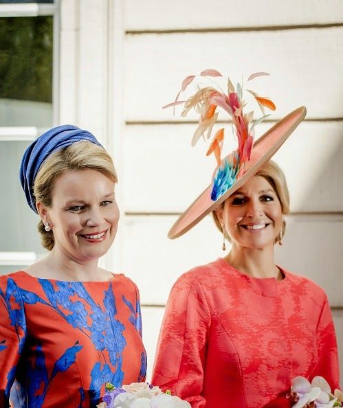 Belgium Queen Mathilde (L) and Dutch Queen Maxima attend the opening of exhibition Vormidable in The Hague, on May 20, 2015, displaying contemporary Flemish sculptures.