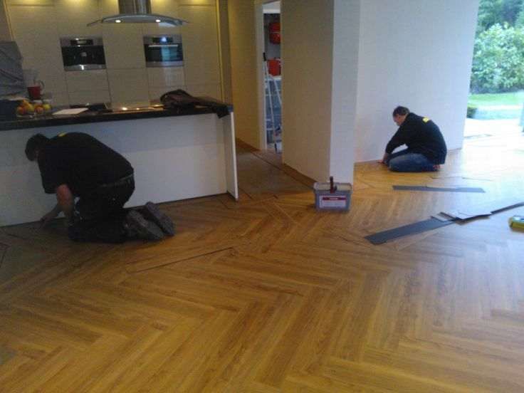 Pvc vloer decoratief gelegd met band bies en veld visgraat - PVC Concurrent