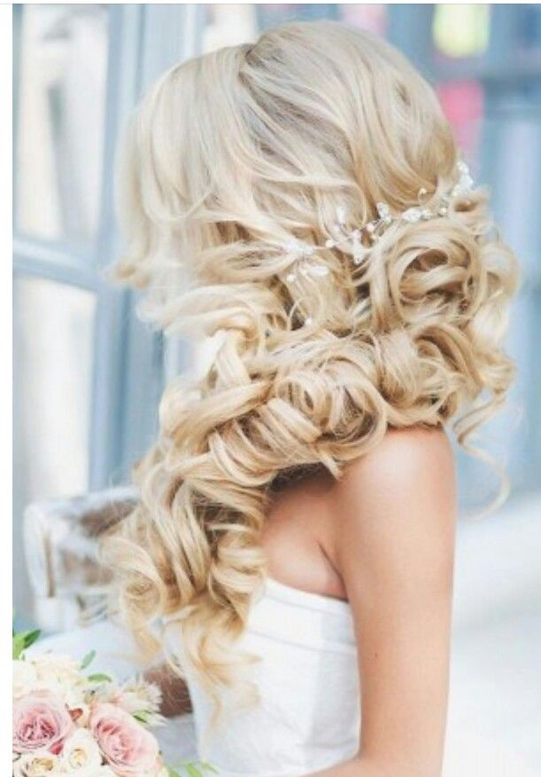 Wedding bride ideas Hairstyle photo-maleya.com inspiration     #bridehair #marriagehairs #coiffure  Photographe Mariage @photomaleya  Pin it & Follow me for your inspiration ?