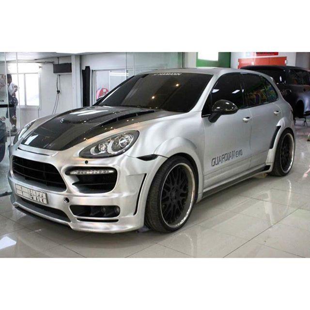 Instagram media by foilx - Silver Brush Chrome Porsche Cayenne by #FoilX.  #HamannGuardianKit  #PorscheCayenne #Porsche #Cayenne #FamousCars #FoilXStars #CarParrazi  #MyDubai #UAE  #Custom #CarWorkshop #DubaiWorkshop #CarWorkShopDubai #FoilXCustoms #Saudi  #Luxury #DubaiLuxury #DreamCar #CustomizeLuxury #FoilXed #CarMakeOver #In #Dubai #Glossy #Best #Car #Design  Design:  Foiling Silver Brush,Painting Rims,Tyres,