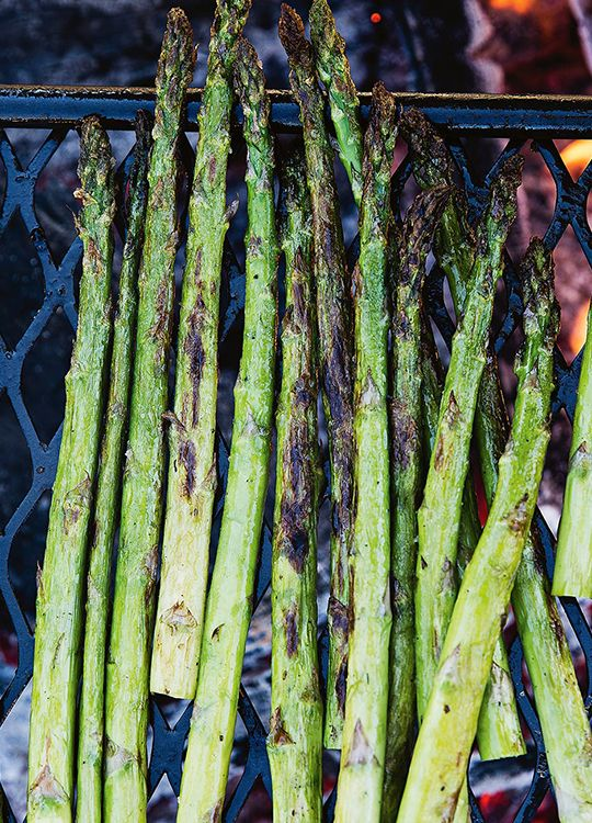How to cook asparagus to perfection on the BBQ