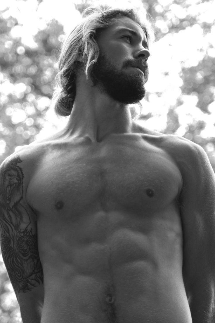 Austin-Davis-by-Photographer-Thomas-Synnamon R
