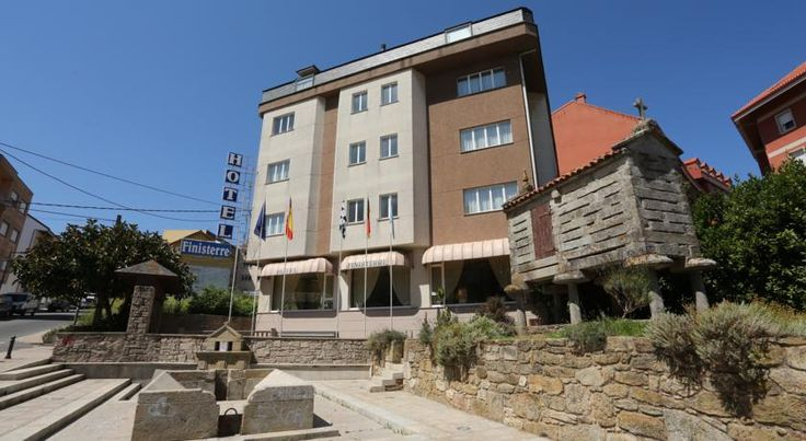 Hotel Cabo Finisterre Finisterre Hotel Cabo Finisterre is situated in Finisterre, between Santiago and La Coruña, right on the north-western coast of the Iberian Peninsula. It offers free WiFi in all areas and 24-hour reception.