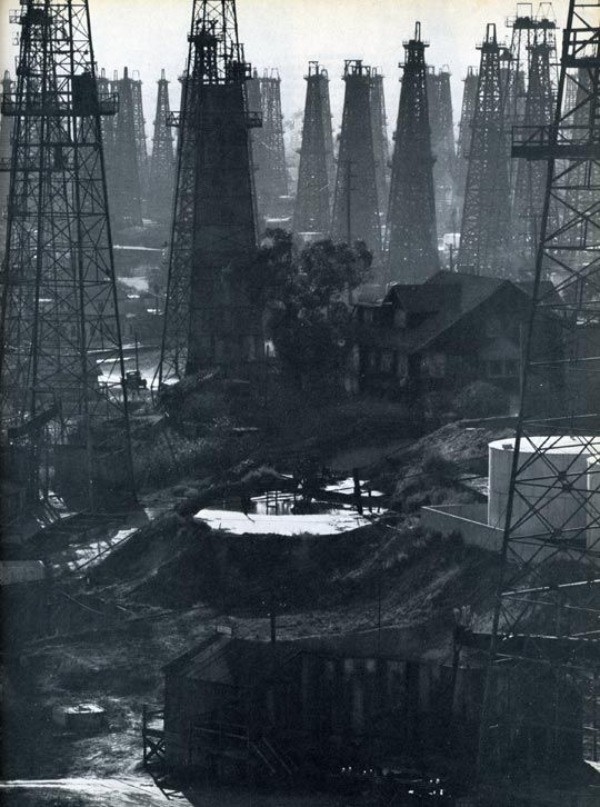 Oil rigs on Signal Hill, near Long Beach; photo by Andreas Feininger, 1947