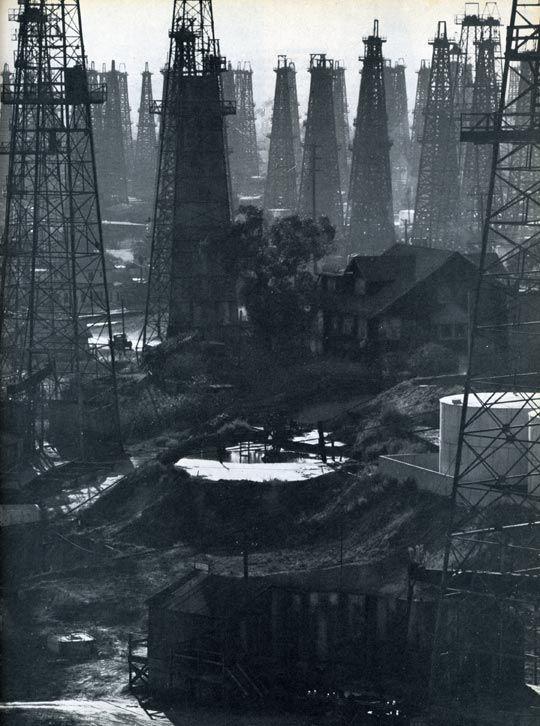 Oil rigs on Signal Hill, near Long Beach; photo by Andreas Feininger, 1947