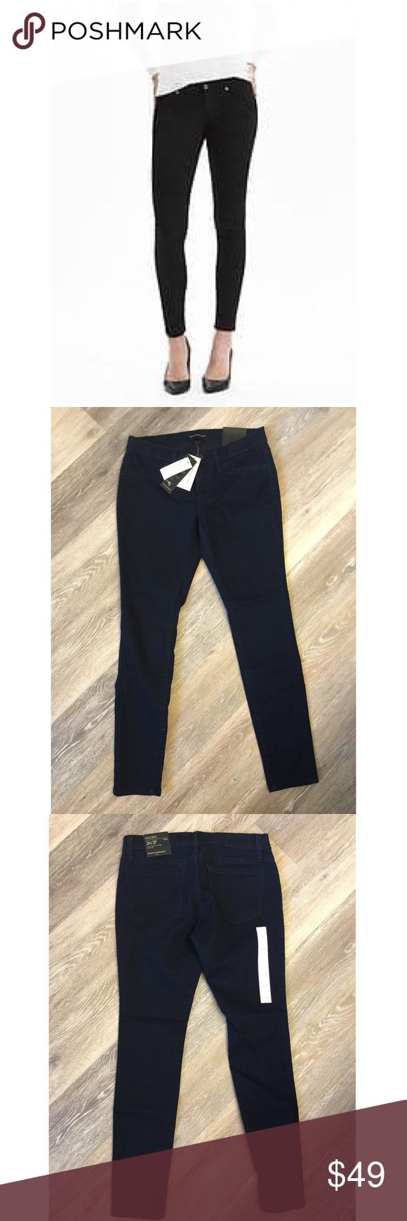 """BANANA REPUBLIC BLACK JEAN LEGGINGS NWT🔹Black Banana Republic Jean Leggings. 🔹2 back pockets 🔹Fitted through hip and thigh🔹Fabric: 80% cotton, 18% polyester, 2% spandex🔹Size : 26/2P 26"""" waist, 25"""" inseam, 10"""" rise.🔹NO trades🔹Smoke free home🔹Bundle discount: 10% off two, 15% off three. 🔹Please go visit our wonderful friend Molinda @molinda25 for more Banana Republic beauties and many other treasures. Banana Republic Pants"""