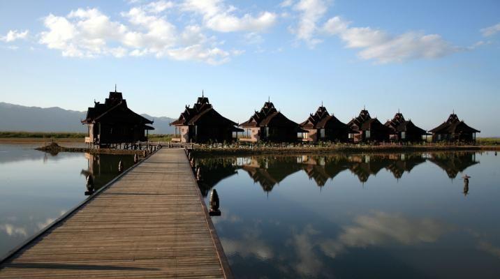 Flydende hotel på Inle søen