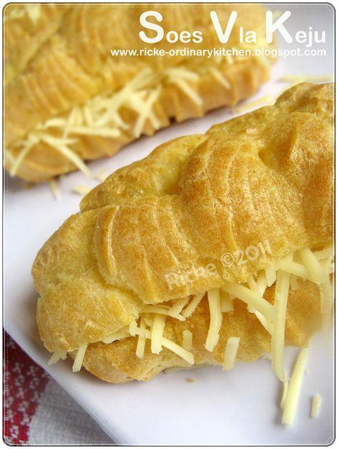 Beberapa hari yang lalu, Nadhifa gak biasanya merengek minta dibuatkan 'kue encus' (sebutan Nadhifa untuk kue soes). Sedari subuh ribut aja...