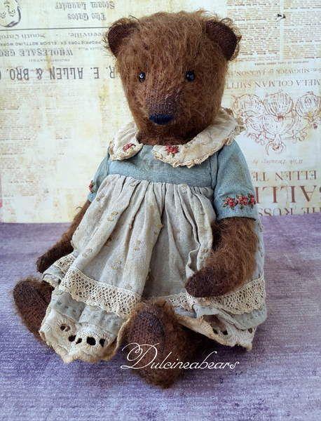 Artist teddy bear Jenny By Vlada Logutova - Bear Pile