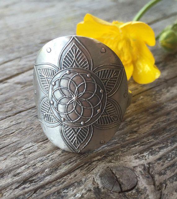 Blume des Lebens... Mehndi-Ring Recyled von louiseodwyerdesigns