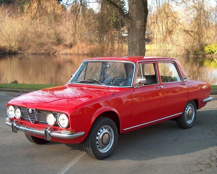 Staid aesthetics, sparkling dynamics: Alfa Romeo 1750 Berlina.