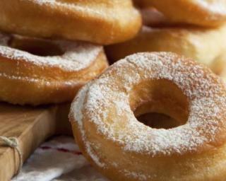 Donuts sucrés allégés cuits au four : Savoureuse et équilibrée | Fourchette & Bikini