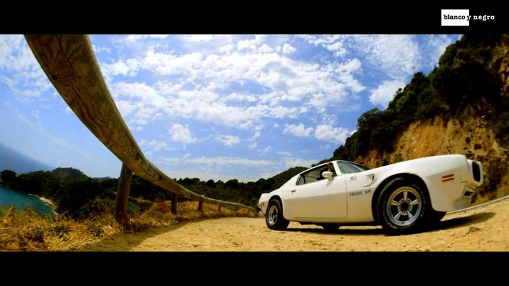 Geo Da Silva & Saftik - Hey Mr. DJ Get Up (Official Video)