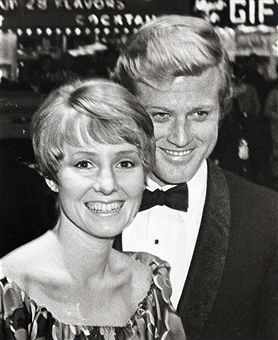 Robert Redford & 1st wife Lola Van Wagenen were married in 1958, had 4 children, but sadly divorced after losing a child to sudden infant death syndrome when their baby son Scott died at only 2.5 months old. They remain close today.