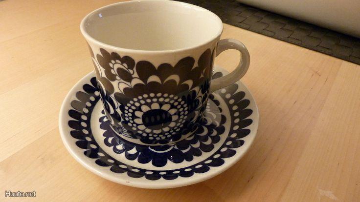 Arabia 100-vuotisjuhla kahvikuppi, Esteri Tomula