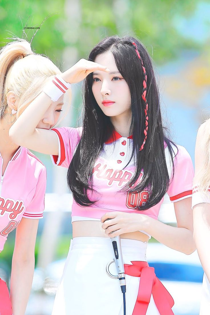 Bona and a little zombie Yeoreum