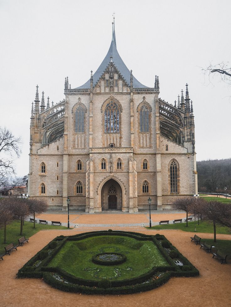 Church of St. Barbara | Day trip from Prague to Kutná Hora, Czech Republic | Tips what to do in Kutná Hora and how to get there from Prague without a tour | Visit stunning UNESCO site in the Czech Republic | Czech Republic Travel