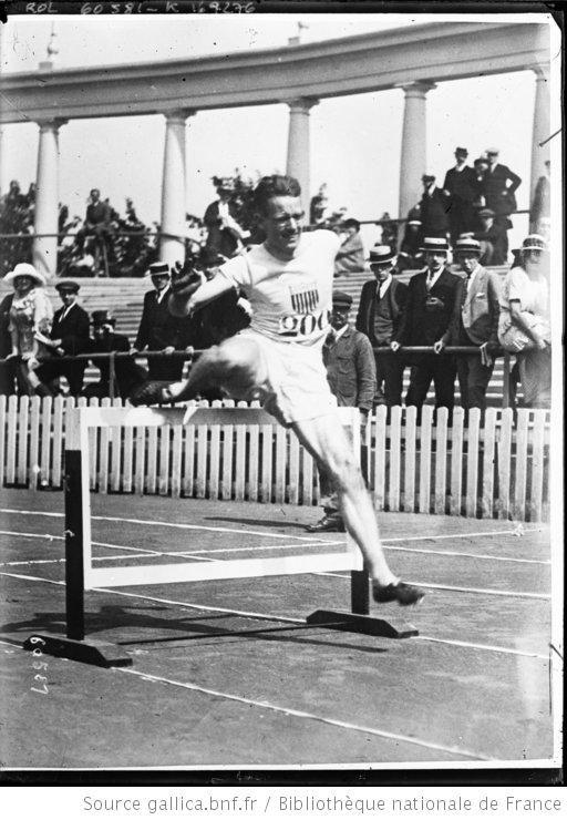 [Frank] Loomis [illisible, 400 mètres haies des Jeux olympiques d'Anvers] : [photographie de presse] / [Agence Rol] - 1