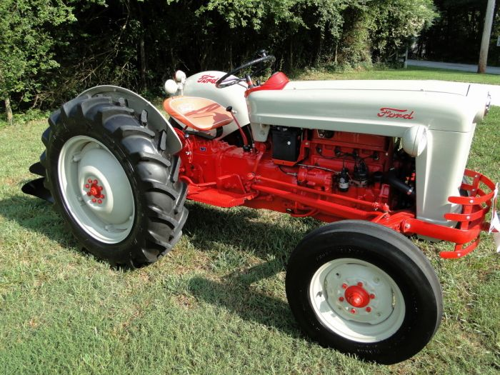 Ford Tractor Jubilee Model : Best ideas about ford tractors on pinterest