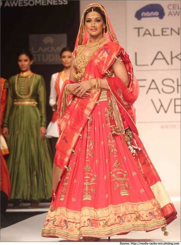 295 best images about paithani on Pinterest | Pure silk ...
