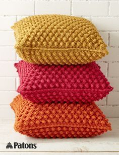 Bobble-licious Pillows | crochet | yarnspirations | patons | crochet pillow | home decor | free pattern | crochet pillow