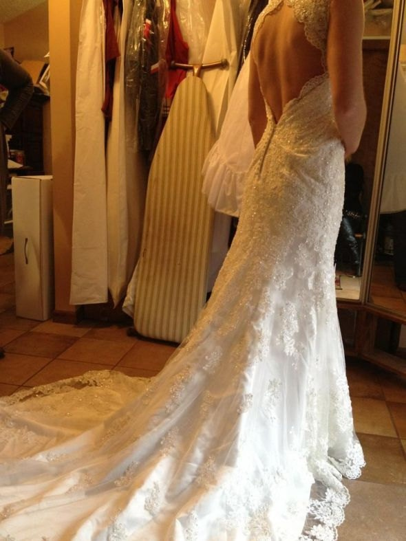 Deep v cut back vintage style lace wedding dress features for Low cut back wedding dress