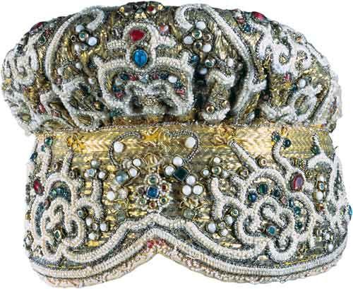 Конец XVIII – начало XIX века. Хлопчатобумажная ткань, жемчуг, перламутр, бирюза, стекло.