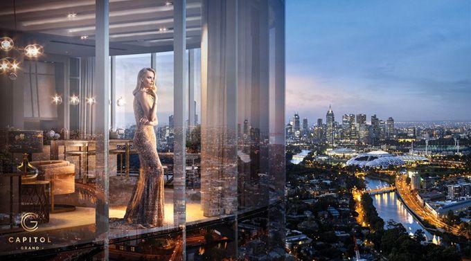 Актриса Шарлиз Терон (Charlize Theron) появилась в рекламной кампании первого шестизвездочного отеля Мельбурна Capitol Grand South Yarra. Автором снимков стал Джеймс Уайт (James White).