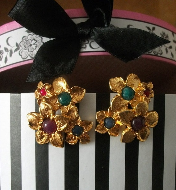 Vintage Flowers Earrings Avon viths gold toned by picsoflive, $9.00