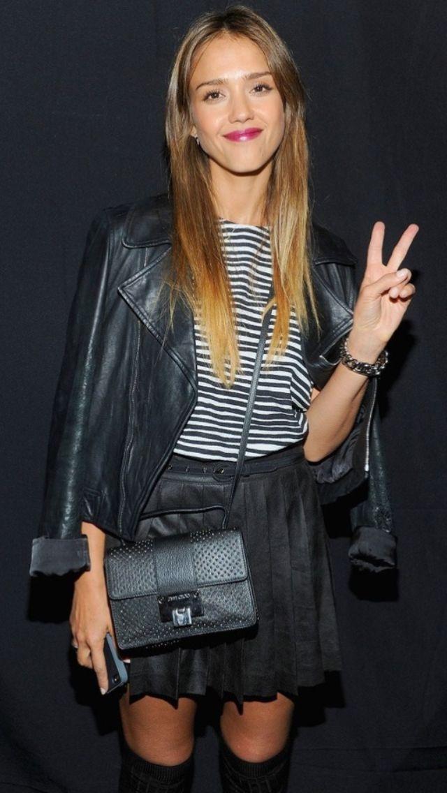Jessica Alba lookin great