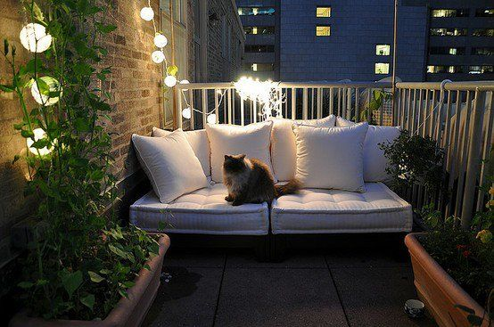 Pallet couch with cushions like this for outdoors. Cheap and easy