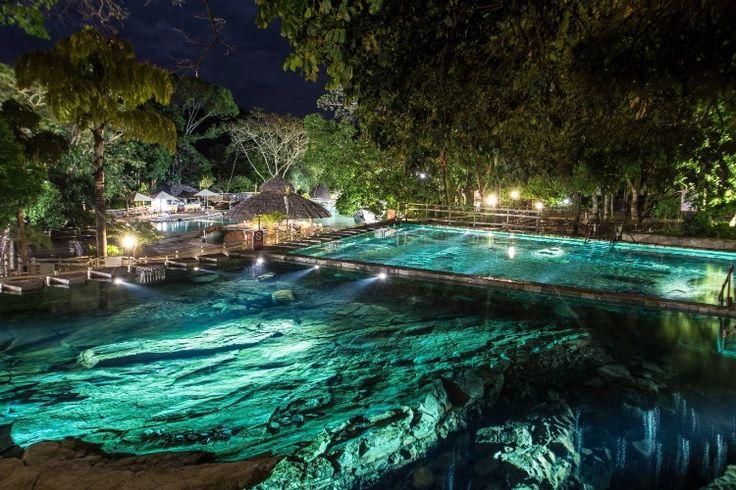 Rio Quente (GO): O Rio Quente Resorts (www.rioquenteresorts.com.br) está com um pacote de três noites, com acomodação em apartamento superior duplo, café da manhã e almoço, além de acesso ilimitado ao Hot Park, Parque das Fontes e Eko Aventura Park. A partir de R$ 1.779,12 para o casal, sendo válido para o período de 12 a 15/11. Reservas: (64) 3512-8040 / (64) 3453-7757 (Preços e condições consultados em outubro de 2016 e sujeitos a alterações. Entre em contato com o estabelecimento antes…
