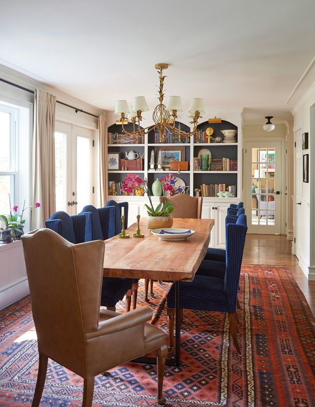 30 Rooms With The Most Magnificent Rugs In 2020 Cottage Dining Rooms Dining Room Design Home